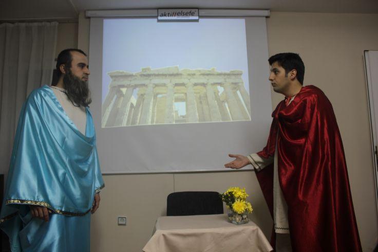 Dünya Felsefe Günü ve Aktiffelsefe'nin 25.Yıl dönümü kutlamaları sırasında gerçekleştirdiğimiz tiyatral konferansımızdan bir kare...