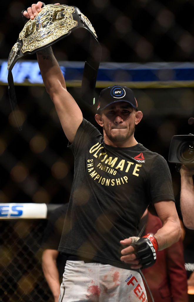 Las Vegas Nv October 07 Tony Ferguson Celebrates After His Victory Over Kevin Lee In Their Interim Ufc Lightweight Championship Bo Kevin Lee Tony Ferguson