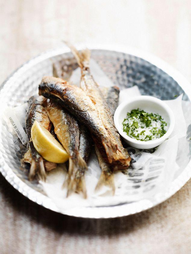 gefrituurde sardines met peterseliezout   ZTRDG magazine