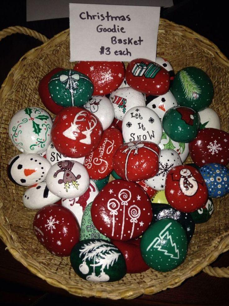 Christmas Painted Rocks Ideas 7