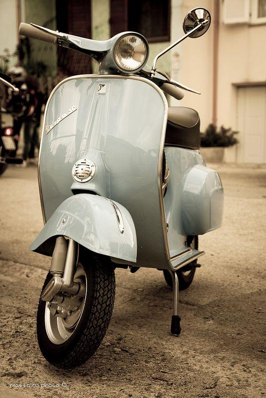 Vespa vintage | by matta.eu