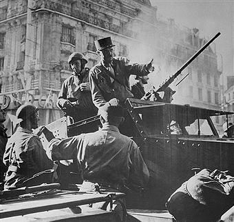 Jacques Philippe LeClerc, general of France, directs the liberation of Paris during World War II. Pin by Paolo Marzioli
