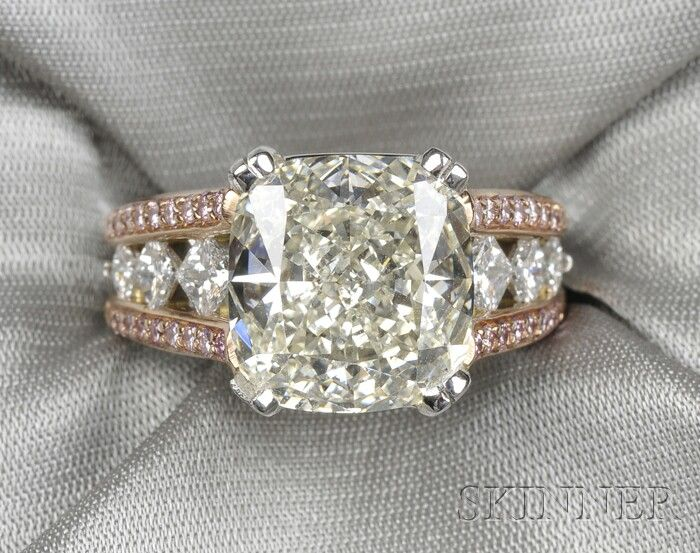 Diamond and pink diamond ring - center stone, 6.02 cts