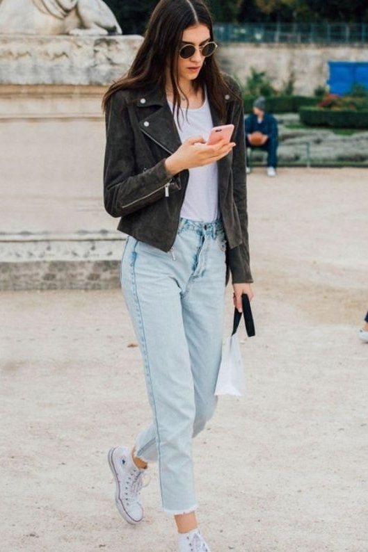 Yes, mom jeans were a huge trend this year. Pair it with a white tee and a leather jacket and you'll be looking casual, yet cool. Add a pair of white converse too. For the ultimate cool girl style.
