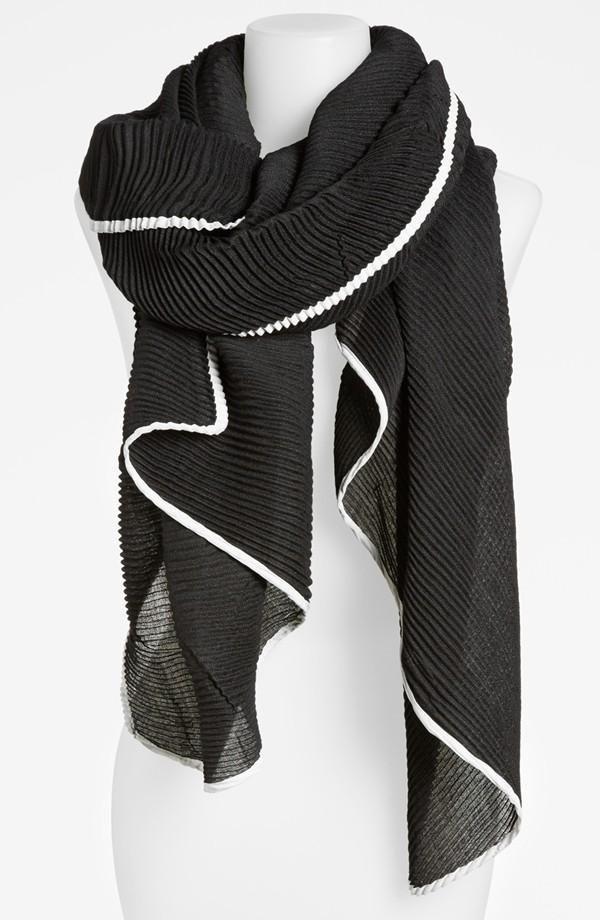 Pretty pleated scarf
