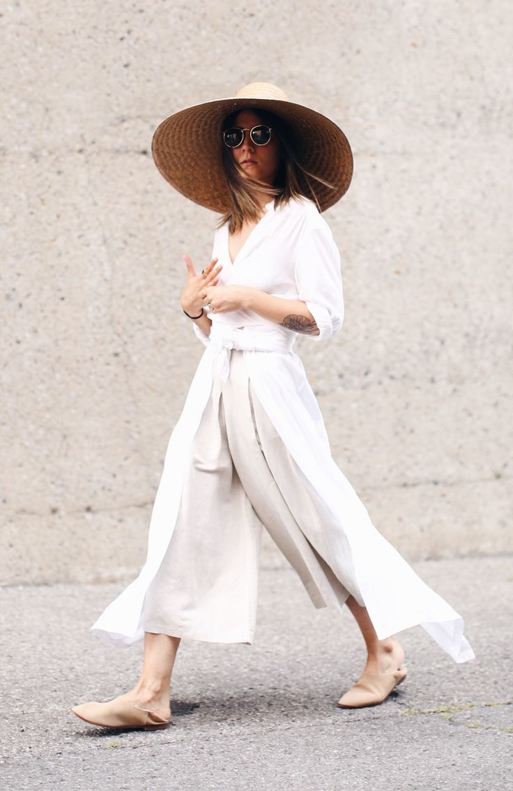 Wide brim sun hats and wide leg trousers #SummerStyle