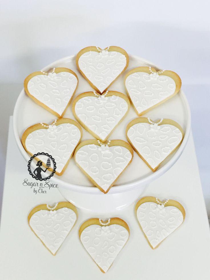 Heart shaped wedding bride cookies favours #sugarnspicebycher
