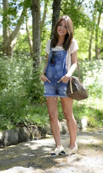 Look com Jardineira Jeans