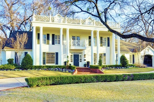 74 best images about architecture southern mansions for Grand home designs fort worth