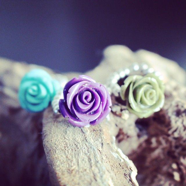 Deze schattige ringen van #Starfish kun je ook in onze #sale vinden! #fashion #ring #flower #jewelry #webshop #ciraad #bloggers #fbloggers #pretty