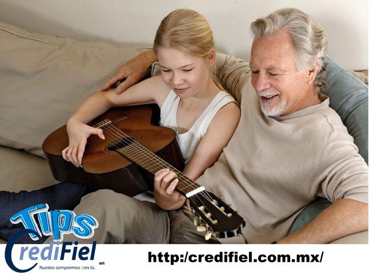 """TIPS CREDIFIEL te dice algunos tips para que consigas trabajo si ya pasas de la edad de jubilación. Actualiza tus conocimientos en informática. La """"era digital"""" exige el dominio de Internet por parte de todos, lo cual supone una ventaja sobre otros demandantes que no se han reciclado. . http://www.credifiel.com.mx/"""