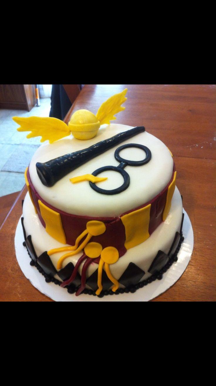 Torta / pastel / Harry / howgarts / griffindor / varita / bufanda