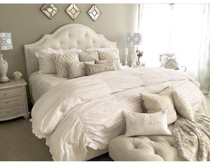 """""""All white everything tagged by @kimkhazel I'm seeing a lot of white and neutral bedroom designs. Def makes the bedroom more cozy and inviting making it…"""""""