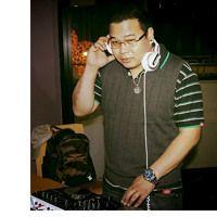 New Wave 80's Old School Music Remix by Dj Emmanuel C. on SoundCloud