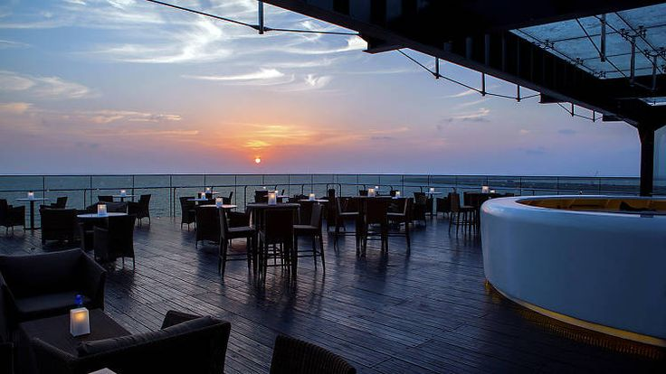 Sky Lounge at Kingsbury Hotel