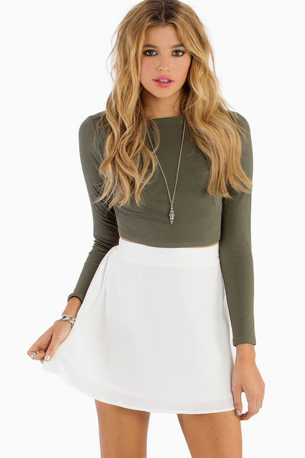 17 Best images about outfits on Pinterest | White skater skirt Ariana grande and Peach skirt