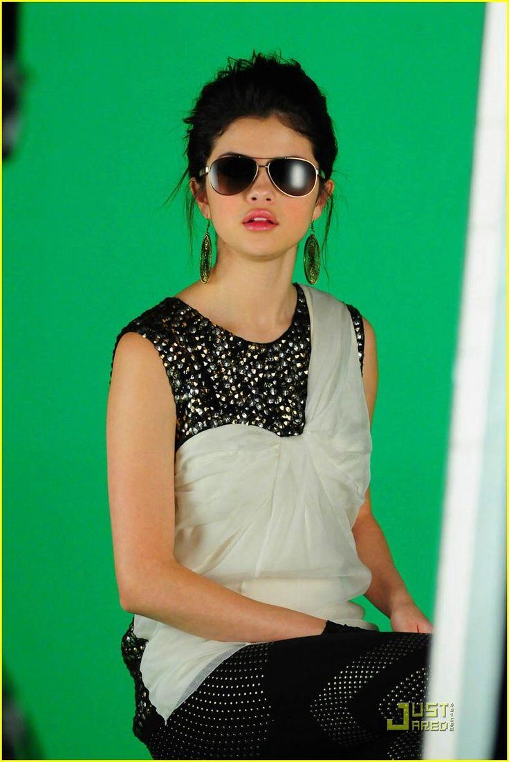 selena gomez naturally video | Selena Gomez Naturally pict 0.5 | Yaahooo xD