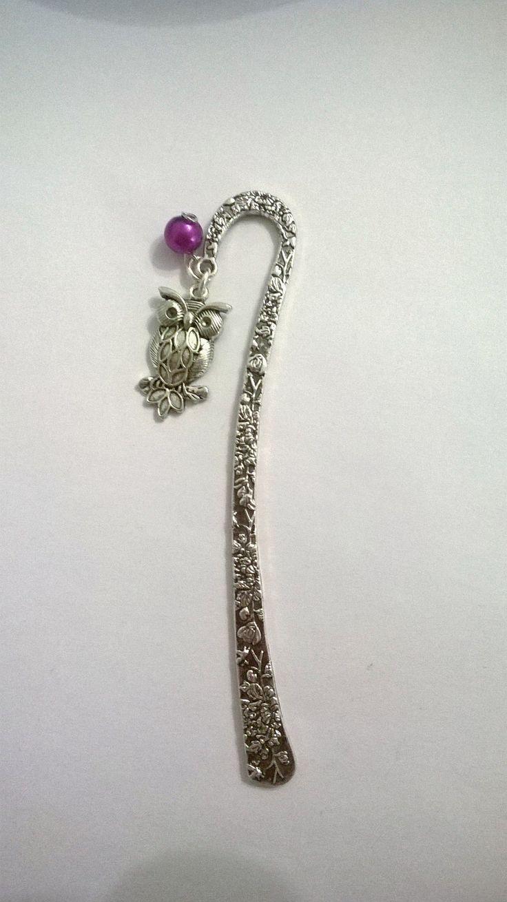Particolare segnalibro in metallo con ciondolo a forma di gufo e perlina.Una delle mie ultime creazioni 6€