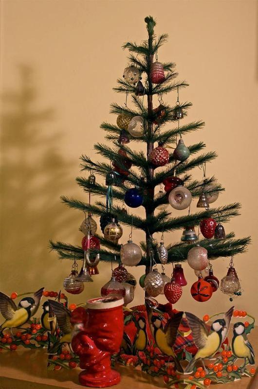 30 Astonishing Old Fashioned Christmas Tree Decorations Ideas