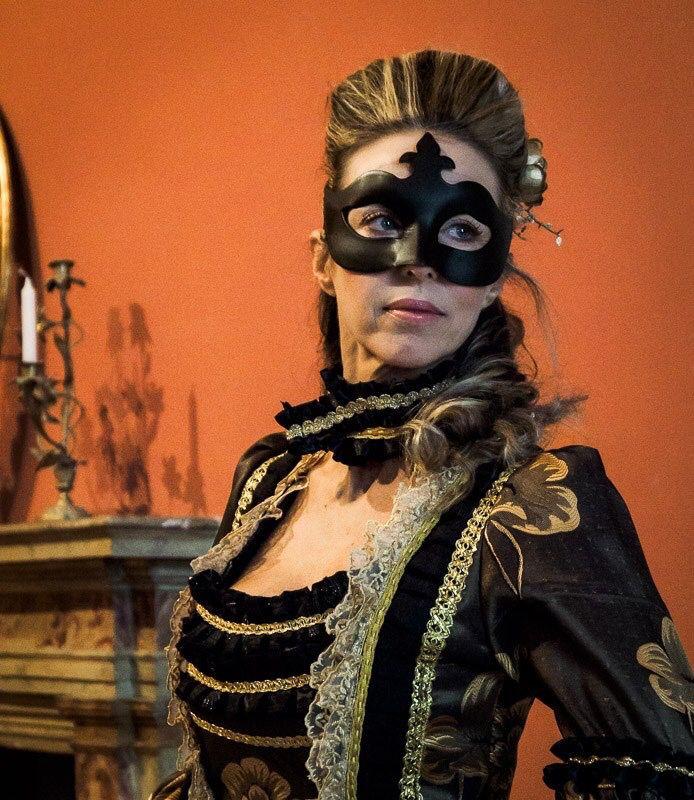 Abito gran ballo appena finito. #art www.costumiperlospettacolo.com #teatro #musical #favola #spettacolo