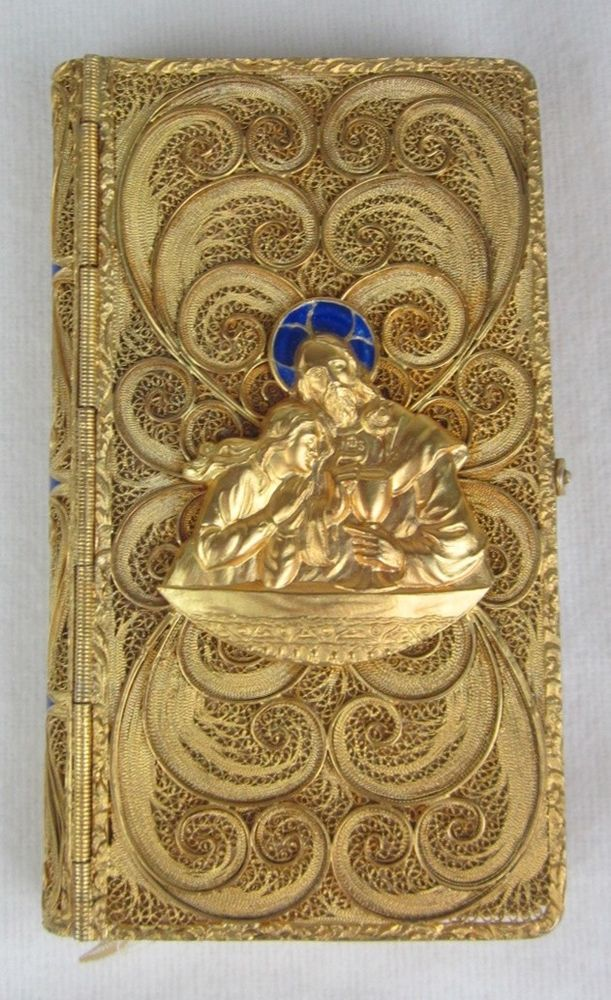 Antique 1915 Child's Devotional Spanish Prayer Book in Gold Filigree Cover