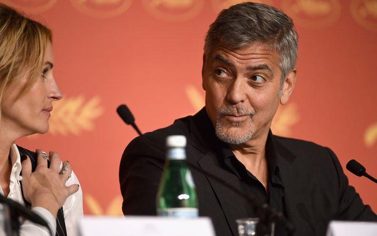 """3100George Clooney parla a Cannes e, mai banale su certi argomenti, commenta le imminenti elezioni presidenziali negli Stati Uniti d'America: """"Trump è per molti aspetti il risultato delle politiche di molti programmi di informazione, che non pongono mai domande incisive. I loro ascolti salgono perché offrono solamente un podio vuoto sul quale annunciano che Donald …"""