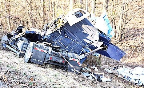 Driver Dies in Williamsburg Kentucky Truck Accident on I-75 – Truck Accident Lawyer News #truck #accident #law #firms, #truck #accidents #semi #truck #crash #big #rig #18 #wheeler http://tanzania.nef2.com/driver-dies-in-williamsburg-kentucky-truck-accident-on-i-75-truck-accident-lawyer-news-truck-accident-law-firms-truck-accidents-semi-truck-crash-big-rig-18-wheeler/  # WILLIAMSBURG, KY A semi driver died Thursday morning, February 17, after being involved in a truck accident on a highway in…
