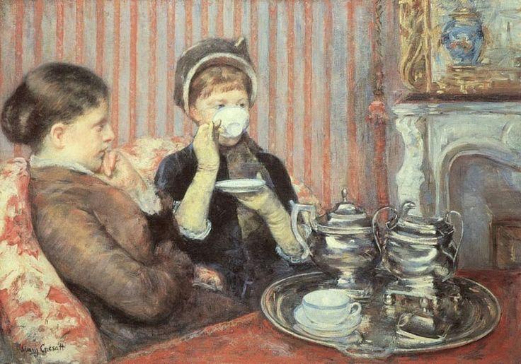 (Arthur Hughes)  Bussarono alla porta e il cameriere entrò con il vassoio del tè e lo posò sul tavolino giapponese. Si udì un tintinnire di...
