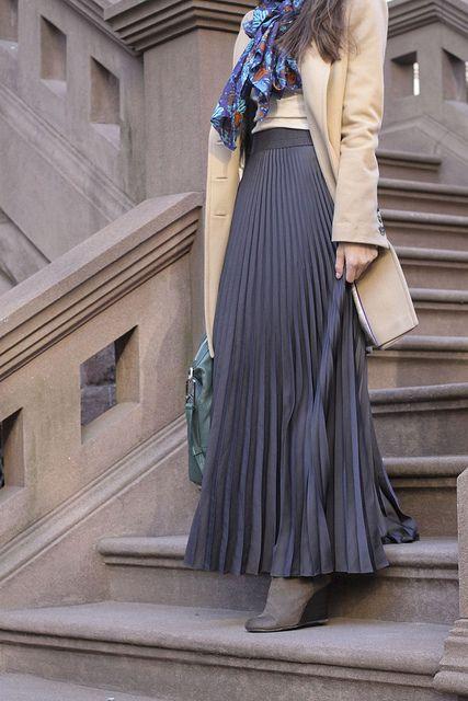 紺のロングスカートコーディネート