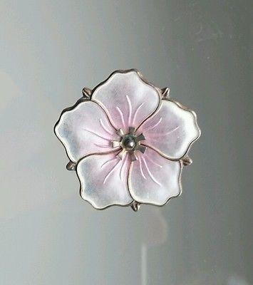Aksel-Holmsen-Vintage-Norwegian-Sterling-Silver-and-Enamel-Flower-Brooch