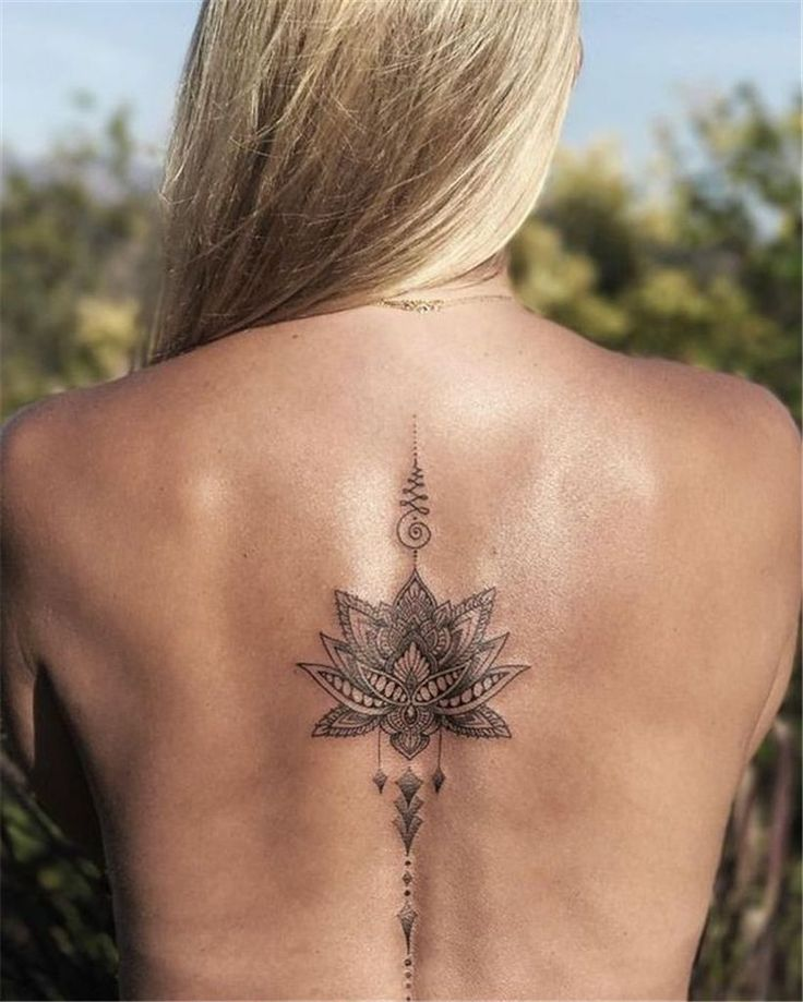 49 Captivating Women Style Ideas With Beautiful Spine Tattoo