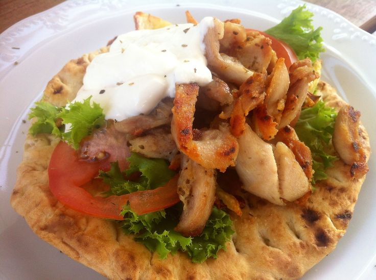 Discover our very best recipe for the crispiest homemade chicken gyros with fluffy pita breads and tzatziki sauce. An authentic Greek street food that is known and loved around the world!