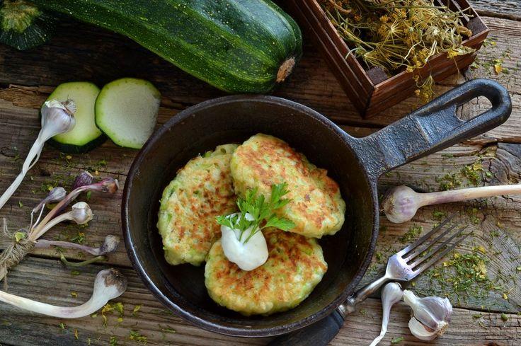 Вкусные оладьи из кабачков с сыром и чесноком. Пошаговый рецепт с фото - Ботаничка.ru