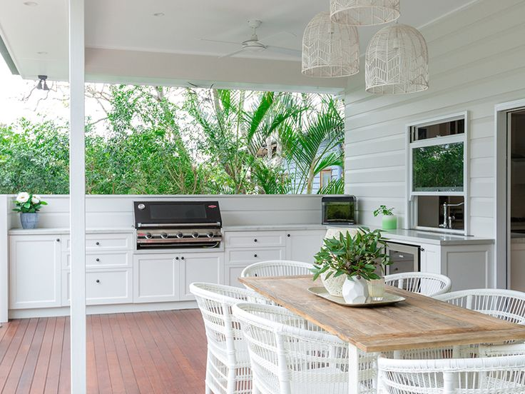 White and natural timber always go hand in hand #outdoorkitchensandbbqareas