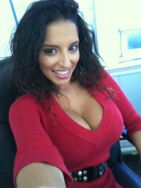 cleavage selfie girl Hot