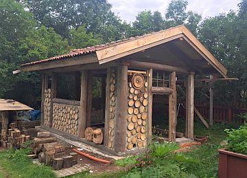 cordwood construction maison bois corde et bouteille pinterest abri jardin maison bois et. Black Bedroom Furniture Sets. Home Design Ideas