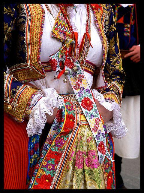 Sardinian traditional dress #sardegna #sardinia