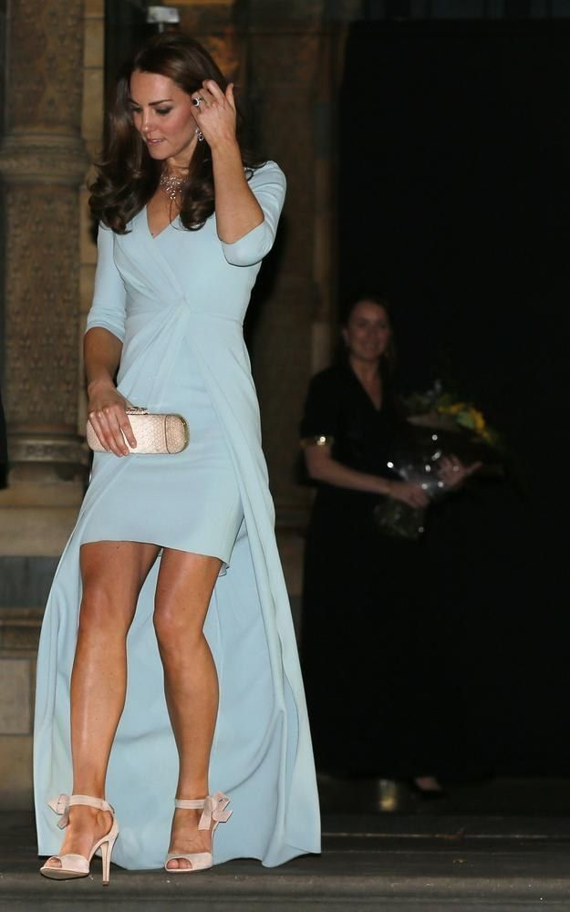 She wore a Jenny Packham gown and LK Bennett shoes and looked completely ***FLAWLESS. | Duchess Of Cambridge Debuts Her New Royal Baby Bump