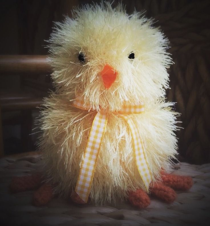 Easter Chick knitted in Tinsel wool.