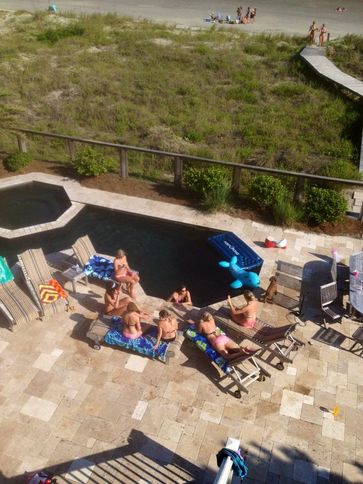 A Southern Style Beach Bachelorette Party in Charleston, SC - The Neon Blonde