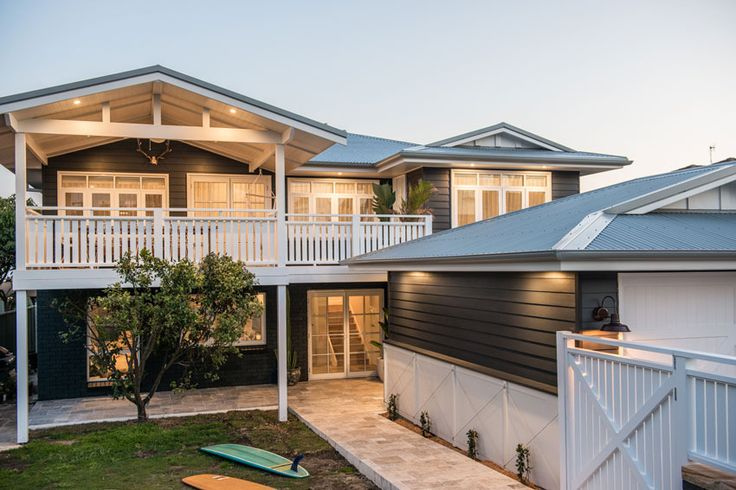 Kyal and Kara have created a timeless, classic look for this beach-side home that will not date. They wanted the home to be desirable to potential buyers in a years' time or in 10 years' time. See how they future-proofed their renovation.