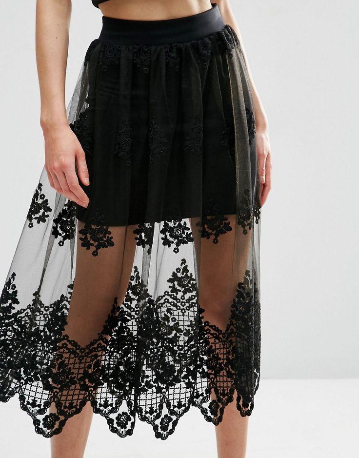 Falda de corte amplio con malla de encaje con bordados de ASOS