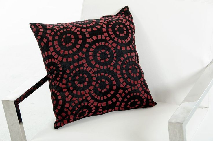 Modrest Orbit Black and Red Throw Pillow VGTTC15-RED