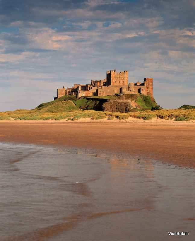 Bamburgh Castle, Northumberland, England    Posted by www.futons-direct.co.uk