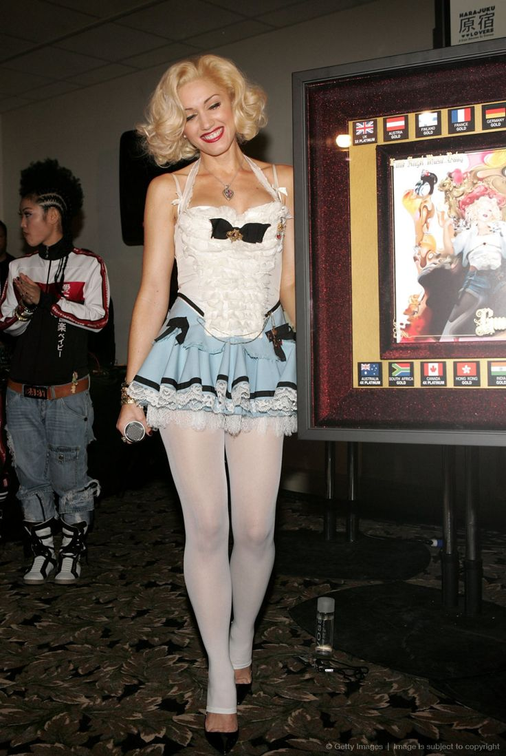 Gwen stefani thigh high pantyhose