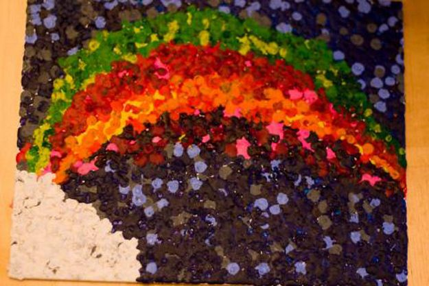If Pointillism Is More Your Thing, Break Out Some Tea Lights And Get To Work. | 9 Inspired Ways To Create Melted Crayon Art