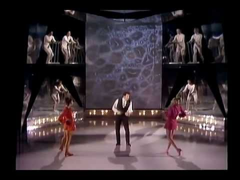 Tom Jones sings Help Yourself in this music video production, taken from the first episode of his TV show.  Aired Feb 7, 1969.