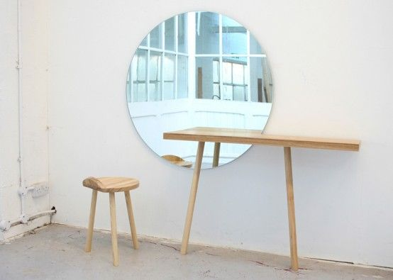 Really love the positioning of the mirror in relation to the table.