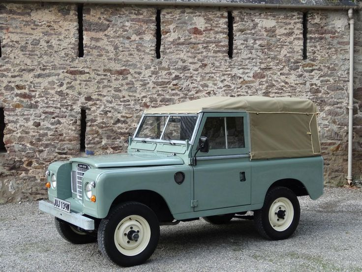 "Land Rover Series 3 88"" 1980 Pastel Green Soft Top Refurbished (JUJ 139W) - Williams Classics"