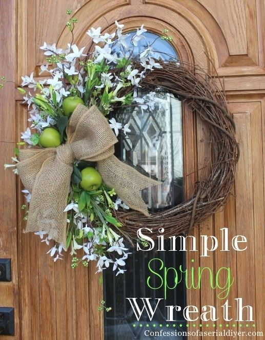 Anyone can make this Simple Spring Wreath!